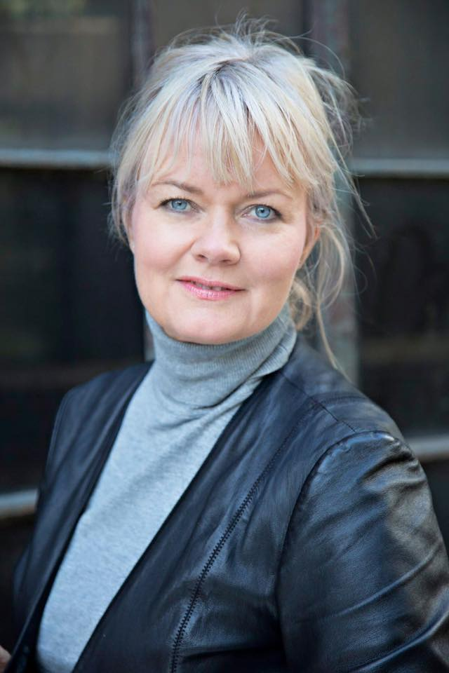 Jane Clemensen (sort jakke3)